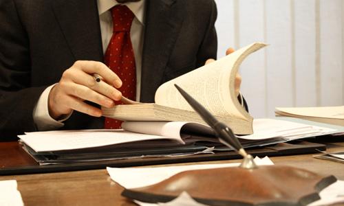 qué hace un abogado